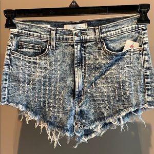 NWT - KanCan Highwaisted Denim Shorts - 29